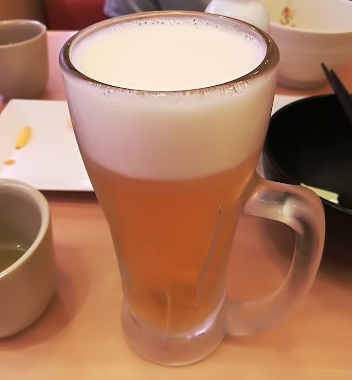 生ビール中ジョッキ:378円(価格は2017年8月時点)