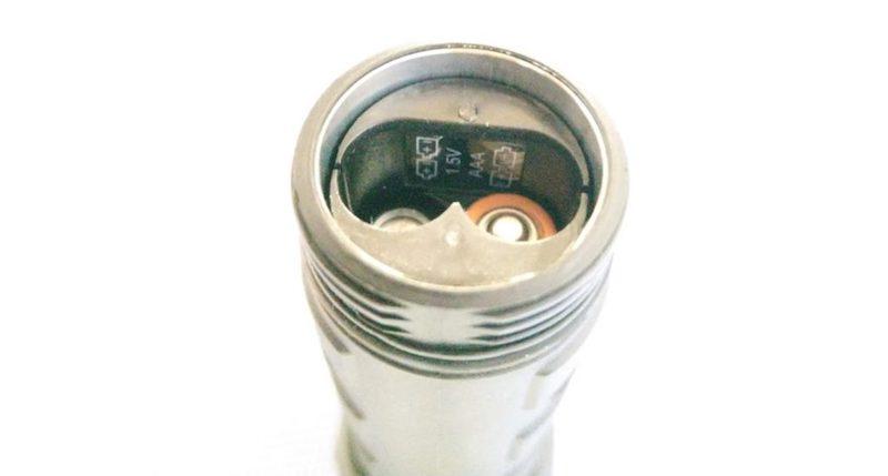 デュラセル デュラビーム 電池挿入部