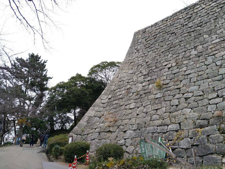 三の丸高石垣1