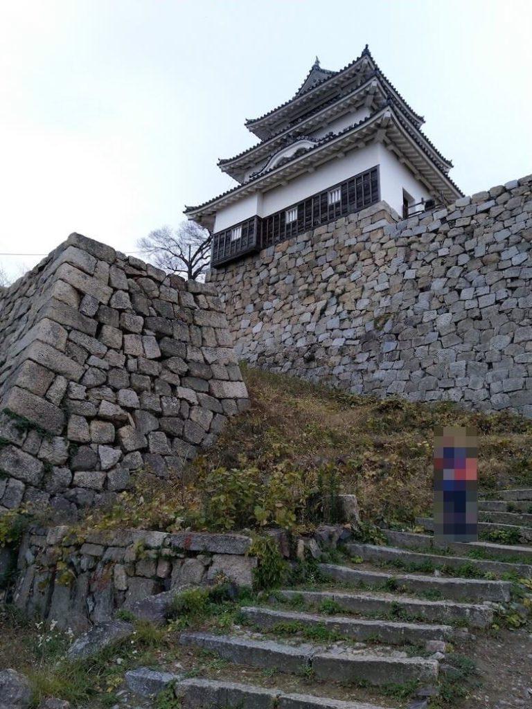 天守と長崎櫓から二の丸への階段