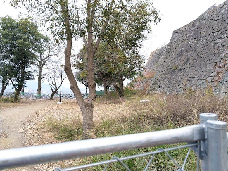 三の丸井戸前フェンス1