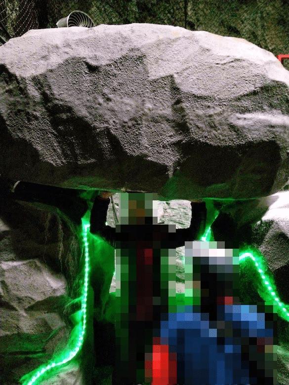 岩石持ち上げ体験
