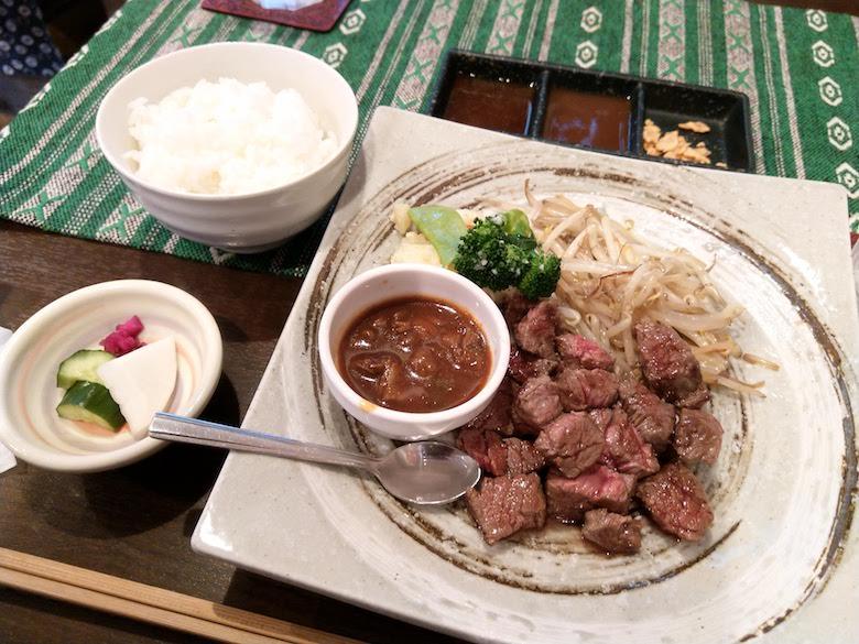 すてーき食堂アチチのランチ(ステーキランチA)