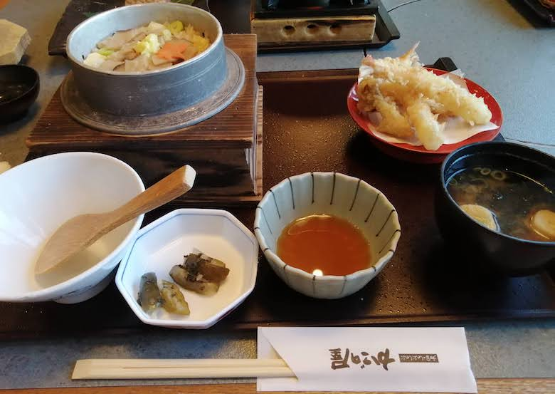 かごの屋の松茸と栗の釜めし定食